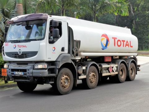 Camion-poids-lourds.jpg