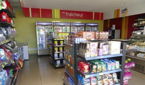 Total Boutique et restauration